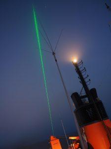 Lidarstrahl während PS106 als es nachts noch dunkel wurde. Foto: Markus Hartmann, TROPOS.